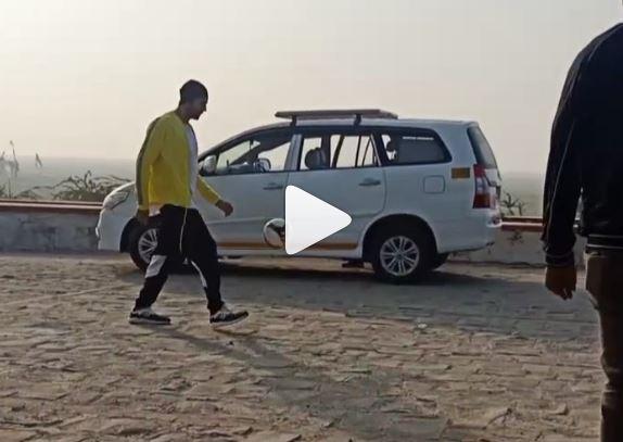 Bhool Bhualaiyaa 2 Kartik Aaryan beats Rajasthan cold with morning football session