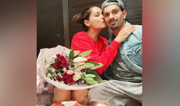 Bipasha Basu Posts Birthday Wish For Husband Karan Singh Grover