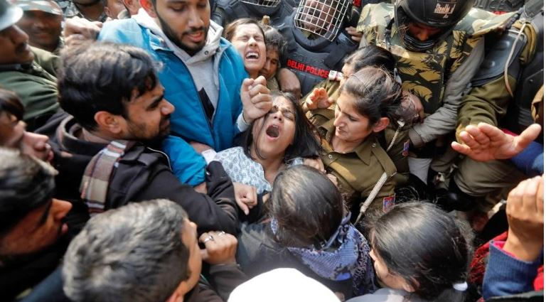 Cops hit us in our private parts Over 10 Jamia students admitted after scuffle with police
