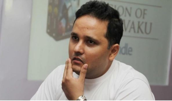 Amish Tripathi announces divorce from wife after 20 years of marriage. Read his full statement