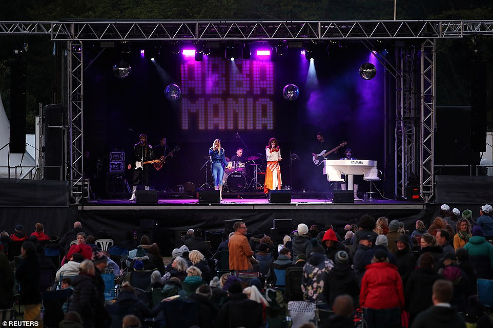 As the sun set the crowd got to their feet to dance and sing along to the words of some of the most famous songs of the 70s.Tamsin Stewart is Agnetha Fältskog, Joanne Harper is Anni-Frid Lyngstad, Duncan Walsh-Atkins is Benny Andersson and Justin Brett is Björn Ulvaeus in the tribute act