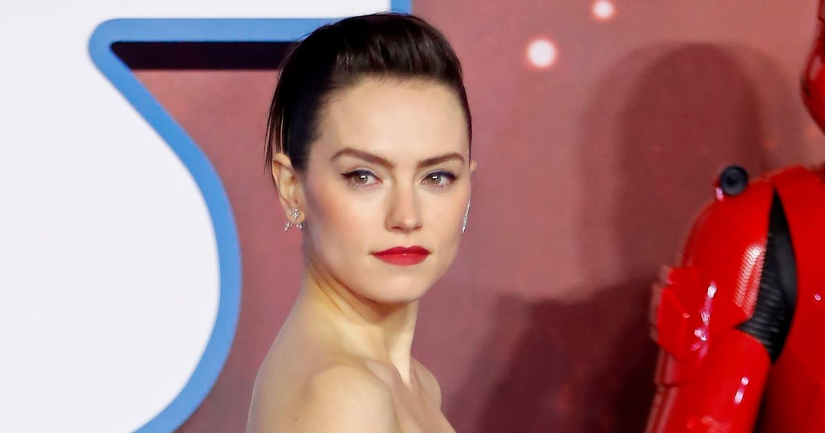 """The director of Star Wars: The Force Awakens commented that Daisy Ridley's acting was """"wooden,"""" triggering a panic attack."""