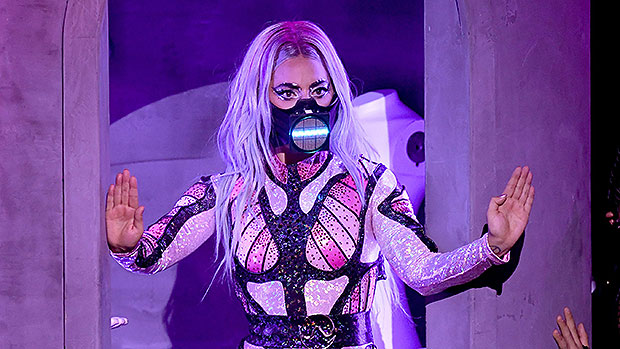 Lady Gaga Lights Up The VMAs With Powerhouse Medley Performance In 3 Outfits With Ariana Grande – The State