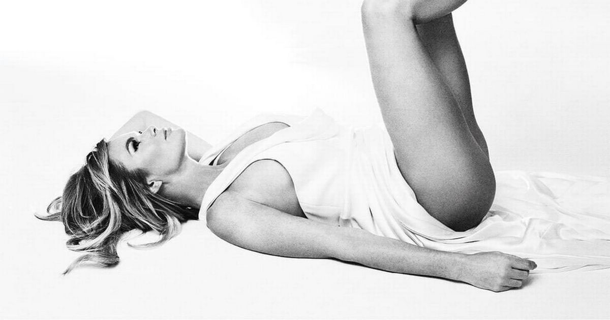 Amanda Holden shows off endless legs in saucy cover art for her new album