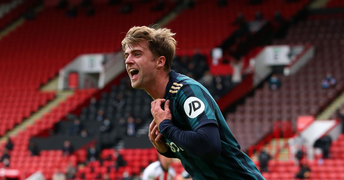 Late Bamford header hands Leeds victory in Yorkshire Derby