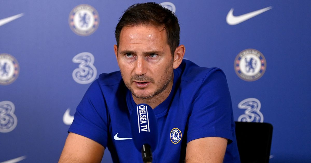 """Frank Lampard slams """"unfair"""" Kepa criticism and tips keeper for Chelsea stay"""
