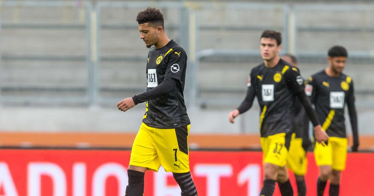 Borussia Dortmund and Jadon Sancho hit with Man Utd themed dig