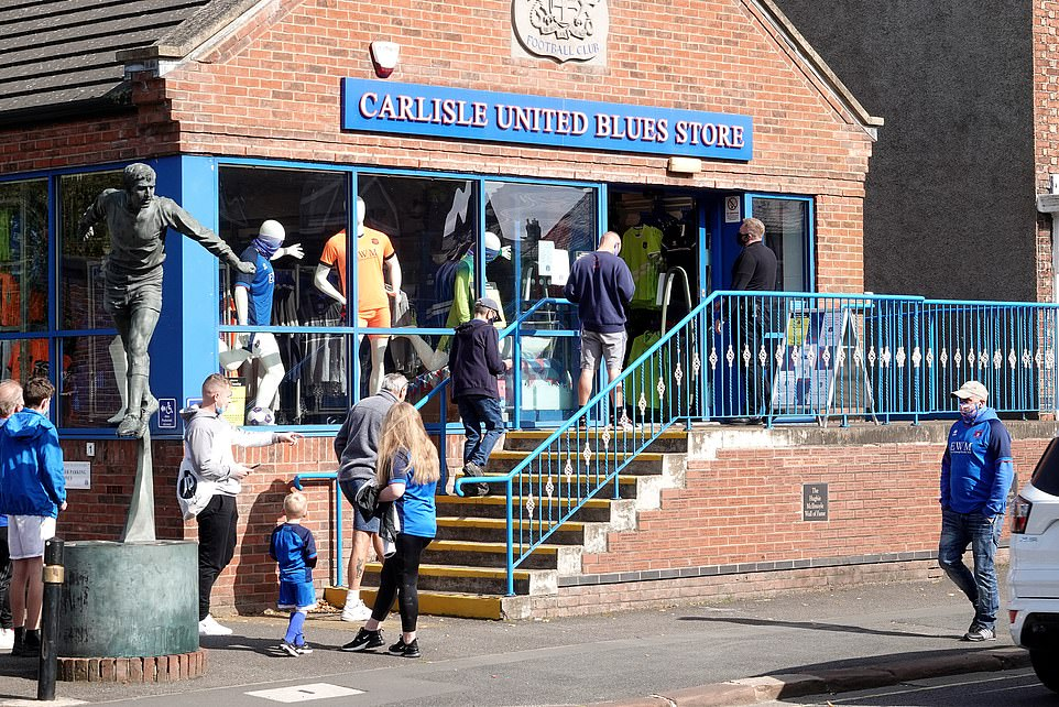 Carlisle United has allowed 1,000 supporters into its stadium, for the first time since March, to watch the match against Southend United