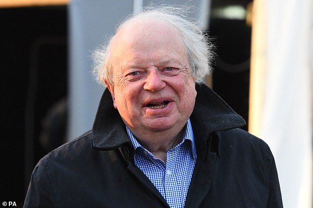 Former BBC political correspondent John Sergeant has said non-payment of the BBC licence fee should be decriminalised