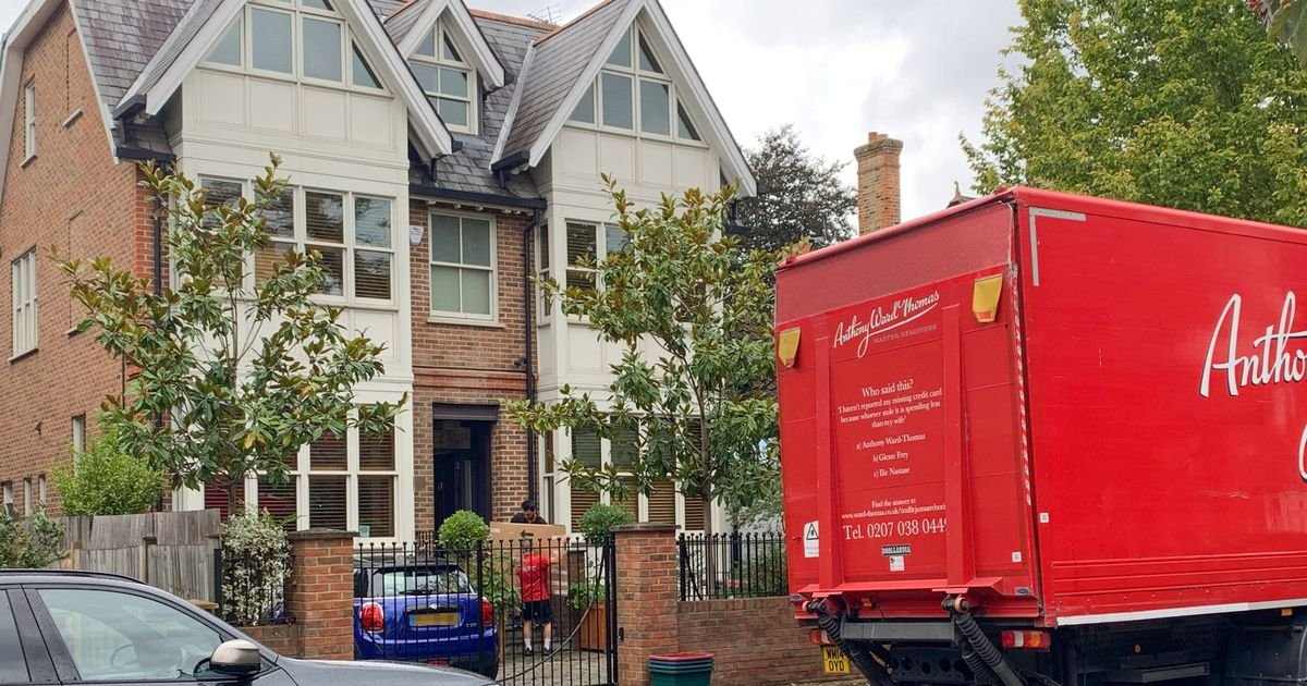 Lisa Armstrong moves items out of £5m home after dumping Ant McPartlin's stuff
