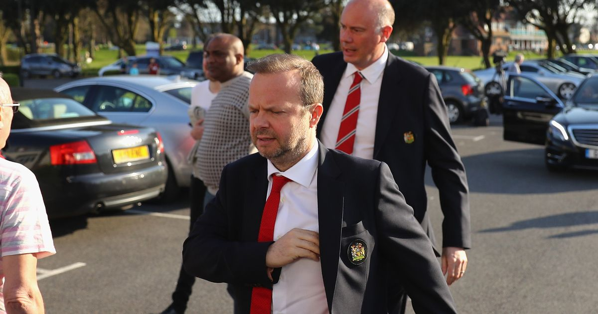 Man Utd change transfer strategy as Ed Woodward springs into action after defeat