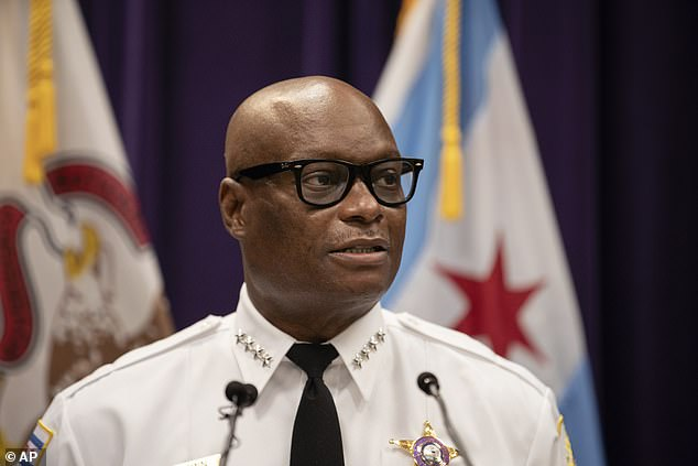 The FBI has warned Chicago police about a plot by street gangs to