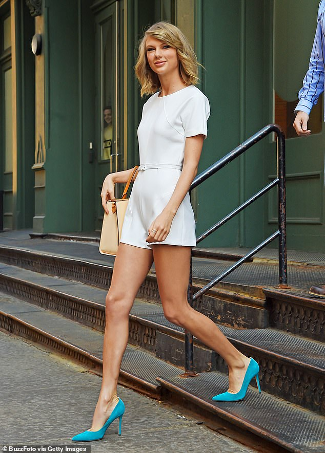 Shots fired during a robbery outside Taylor Swift's Tribeca apartment