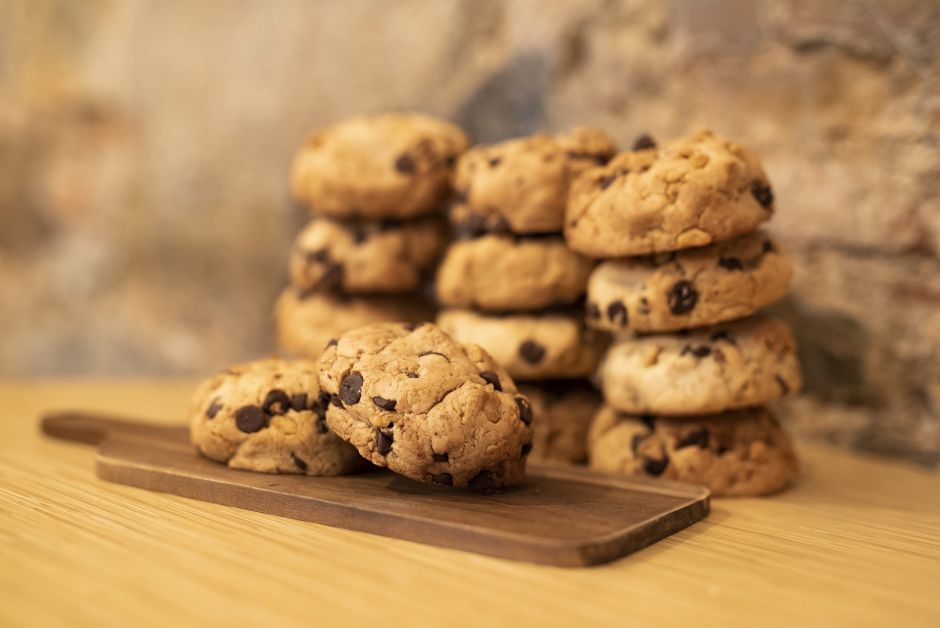 Sweet Craving: Healthy Three-Ingredient Oatmeal, Banana and Chocolate Cookies   The NY Journal