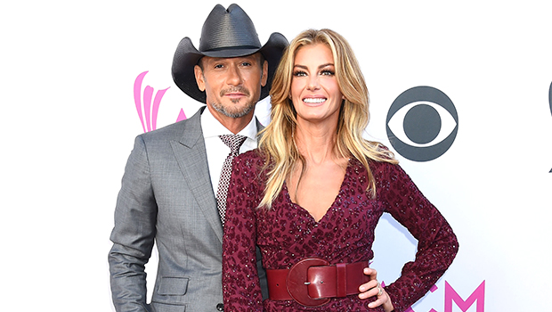 Tim McGraw Lovingly Looks Into Faith Hill's Eyes In Cute Pic Taken When They 1st Started Dating