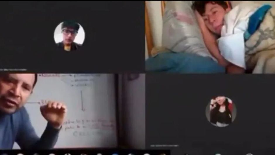 VIDEO: Lying down and in pajamas, student takes online class, the teacher's reaction went viral | The NY Journal