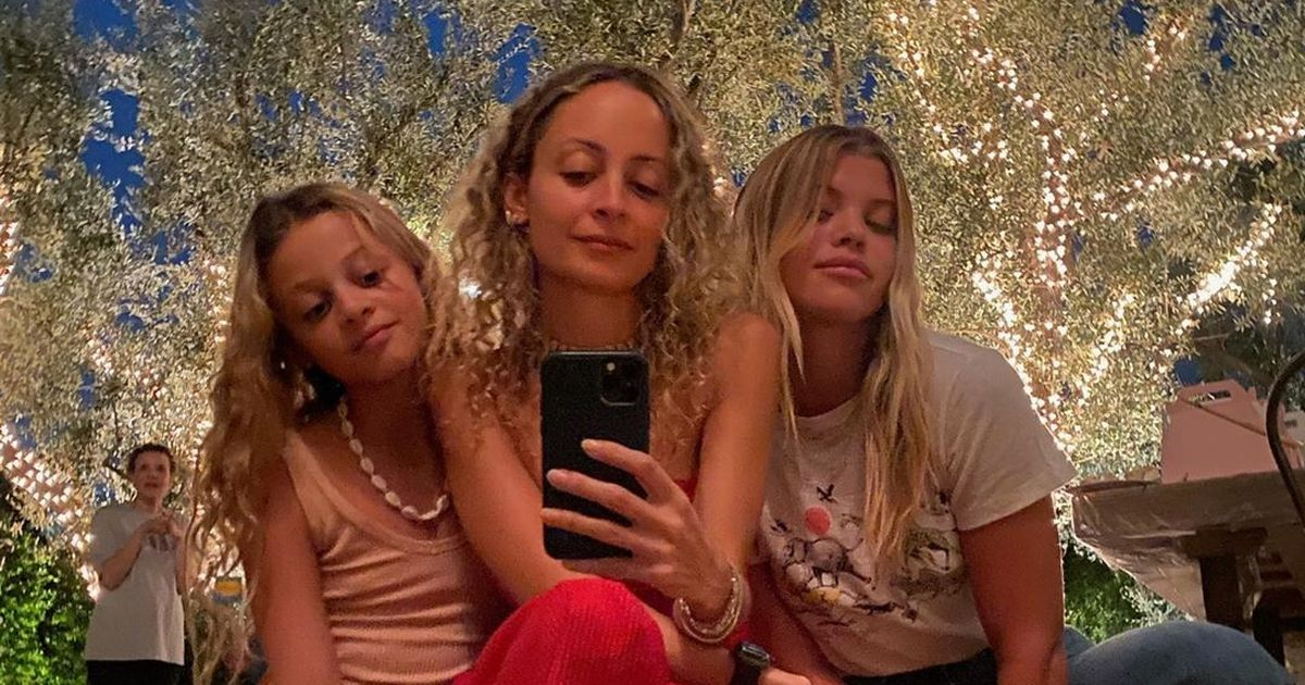 Nicole Richie's daughter looks exactly like her as they pose with Sofia
