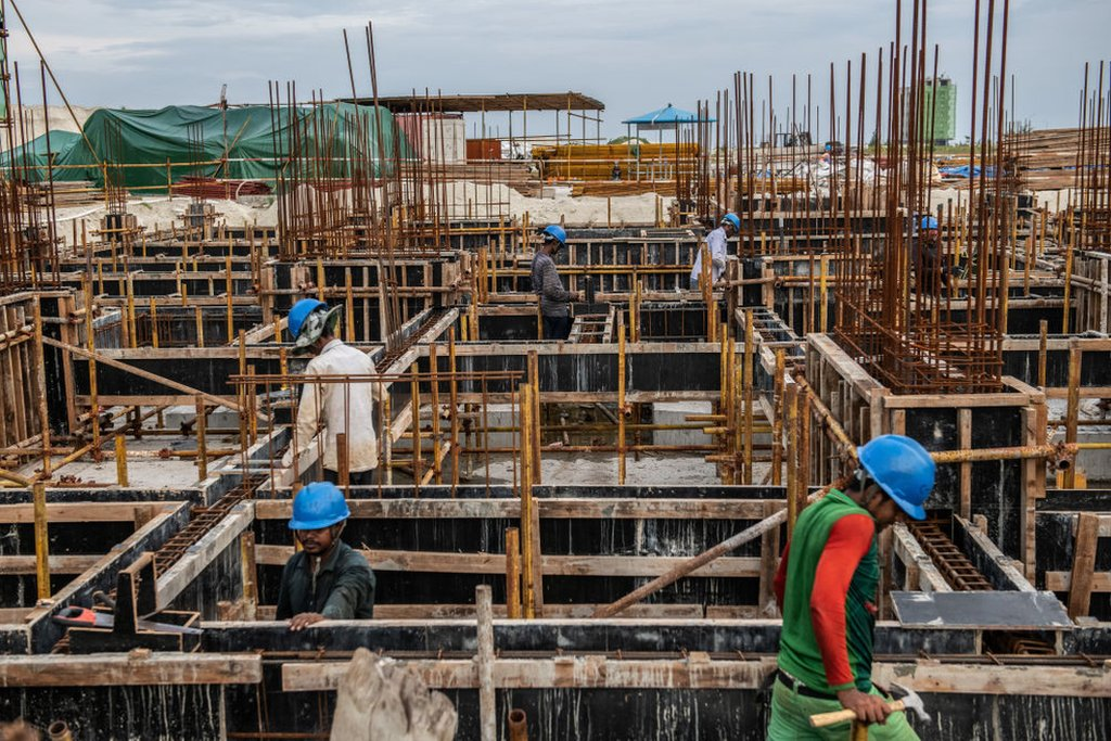 Workers in a construction in Hulhumalé