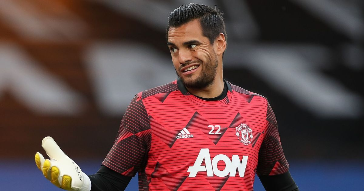 Everton in talks with Man Utd over Sergio Romero loan amid Jordan Pickford form