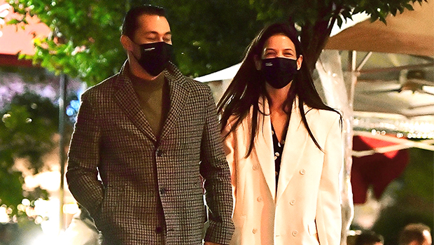 Katie Holmes & New BF Emilio Vitolo Jr. Hold Hands While Strolling Through NYC On Date Night — Pic