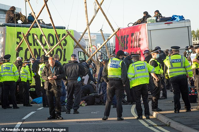 XR protesters pictured blocking access to Newsprinters printing plant at Broxbourne