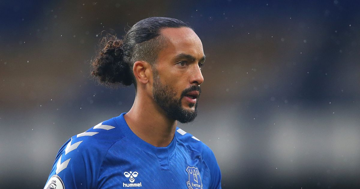 Theo Walcott completes Southampton transfer as Everton ace returns to St Mary's