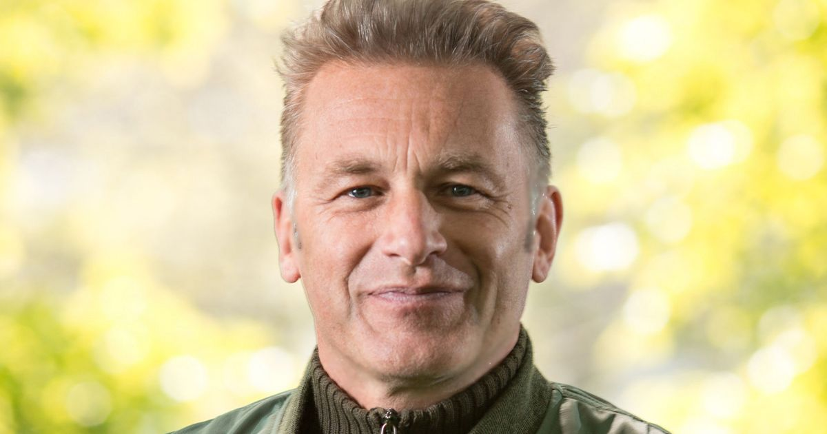 Chris Packham begs Tesco to improve conditions for chickens 'living a nightmare'