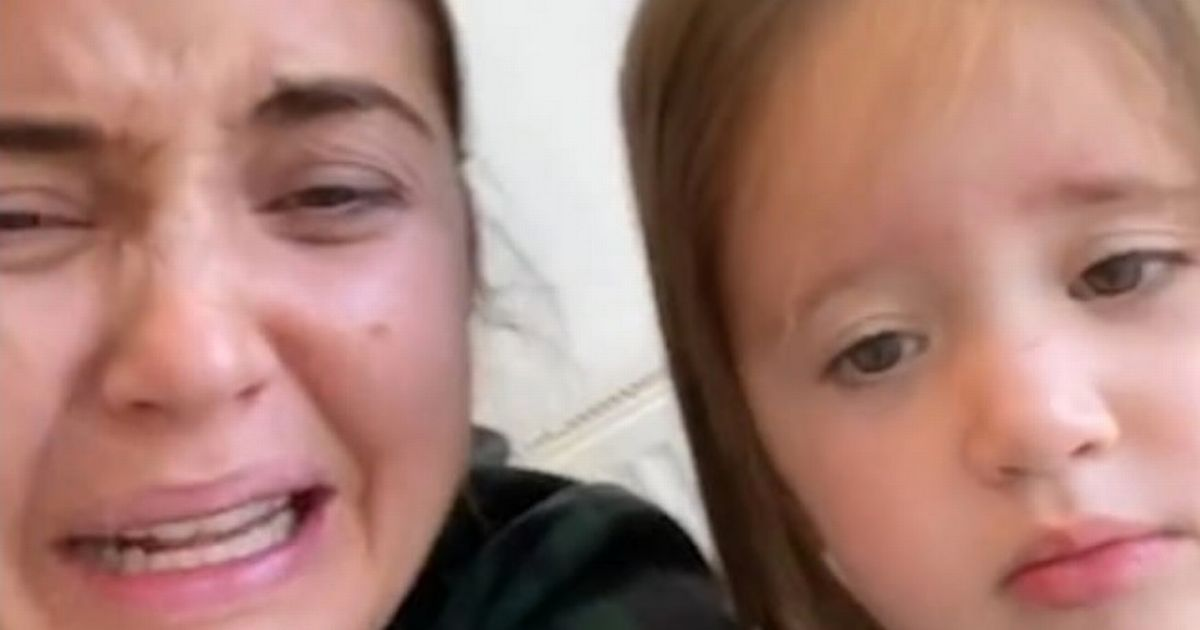 Jacqueline Jossa pretends to have mum meltdown in front of confused daughter Mia