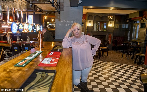Karen Strickland at The Grapes in Liverpool