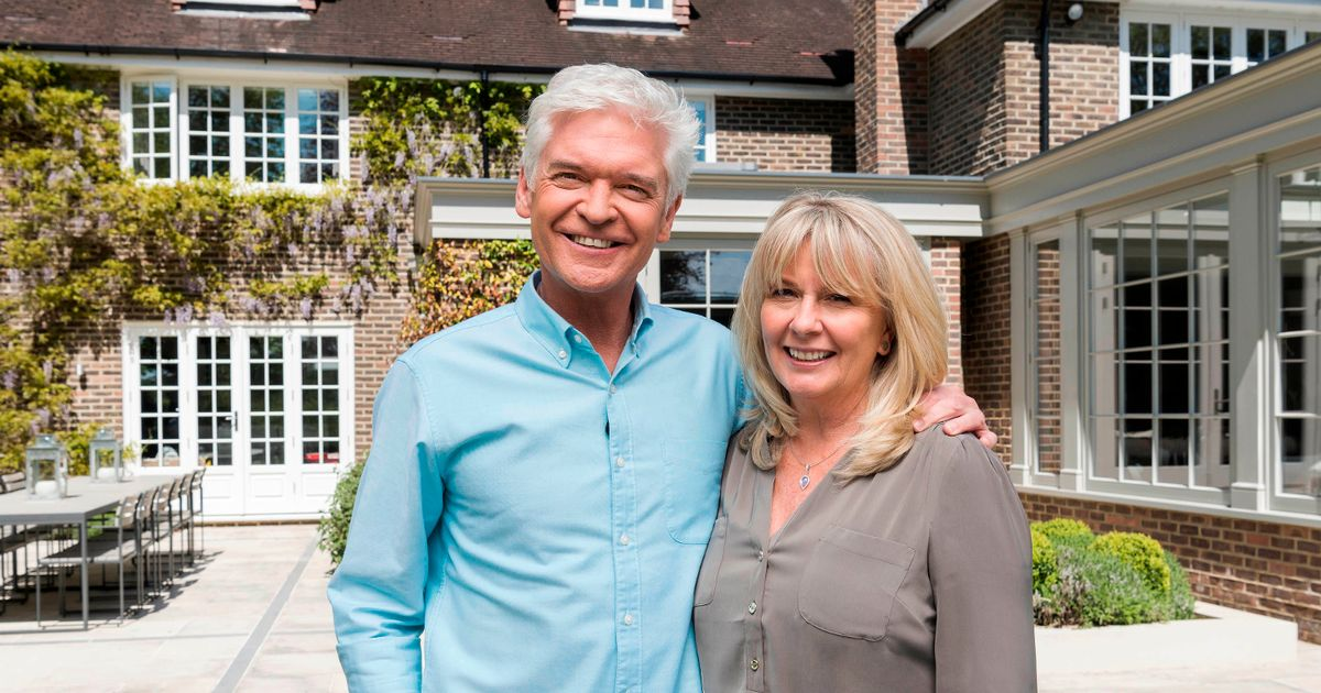 Phillip Schofield recalls leaping out of bed naked to propose to wife Steph Lowe