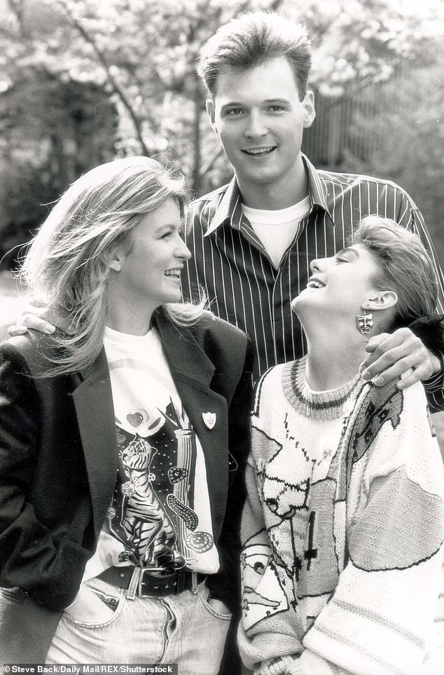 Leslie with Blue Peter co-hosts Caron Keating and Yvette Fielding in the Blue Peter Garden at Television Centre in 1989