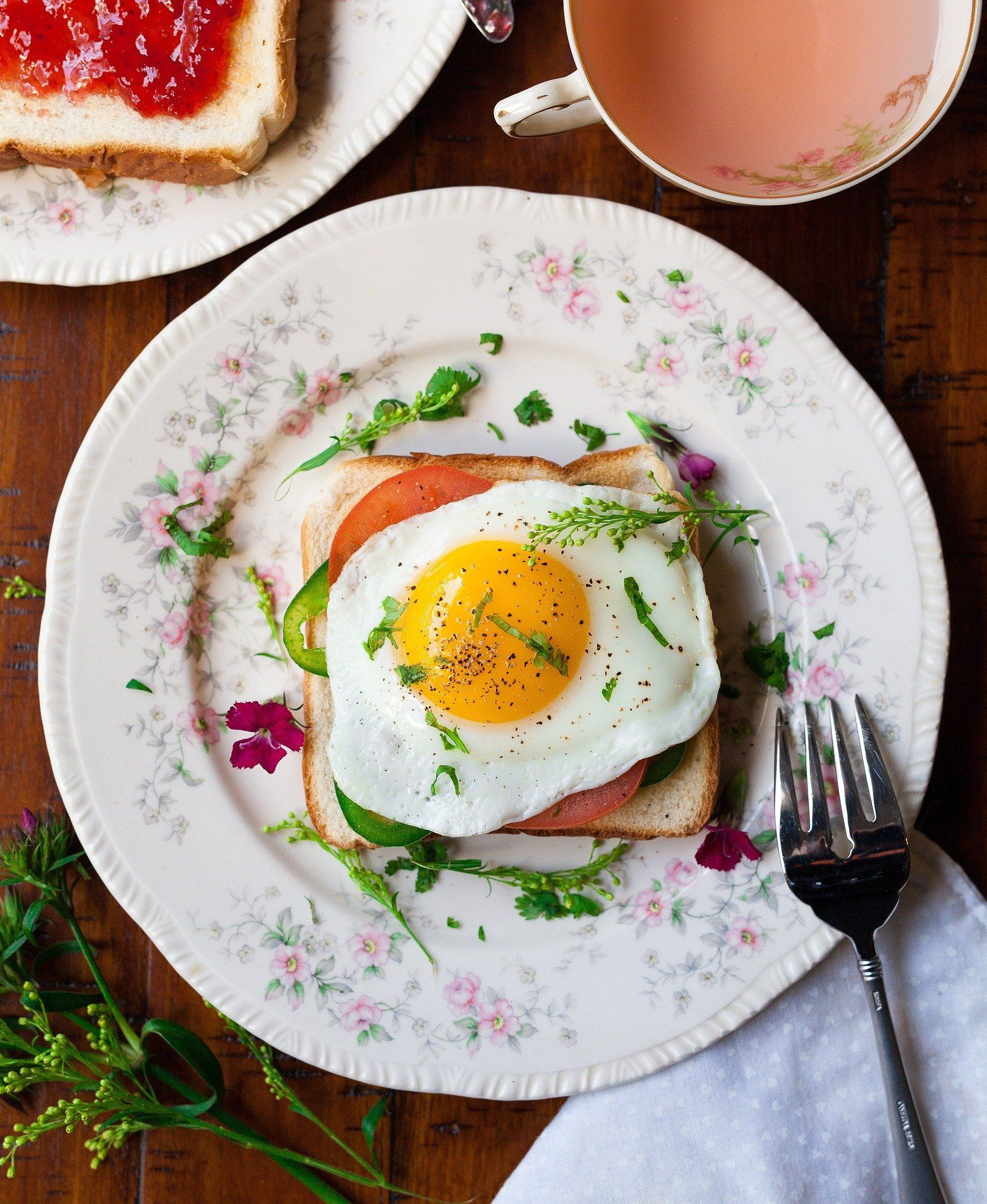 Breakfast with egg.
