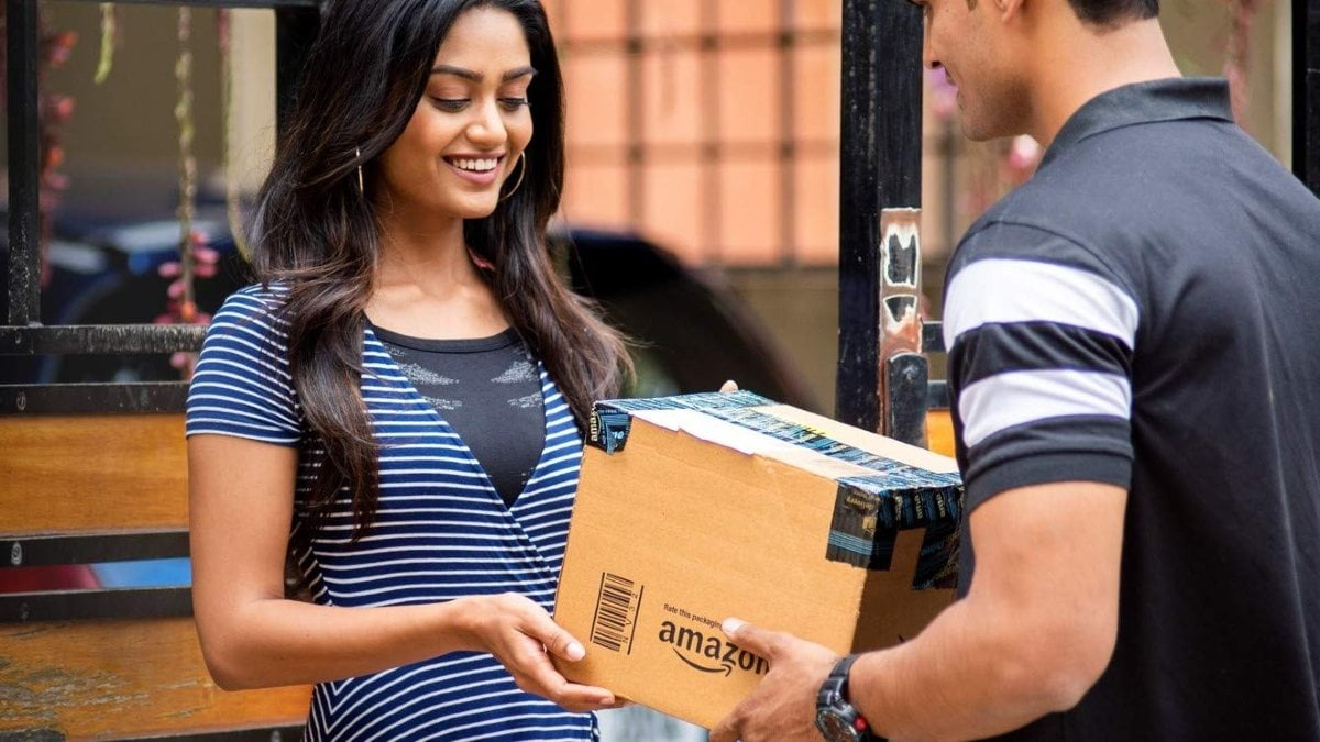 Amazon, Others Rake in Rs. 35,400 Crores During Online Sales: Report