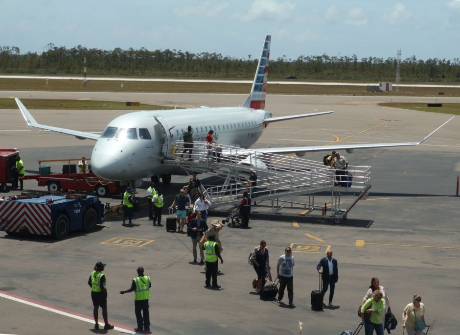An American Eagle plane from Miami got lost when landing in Grand Bahama   The NY Journal