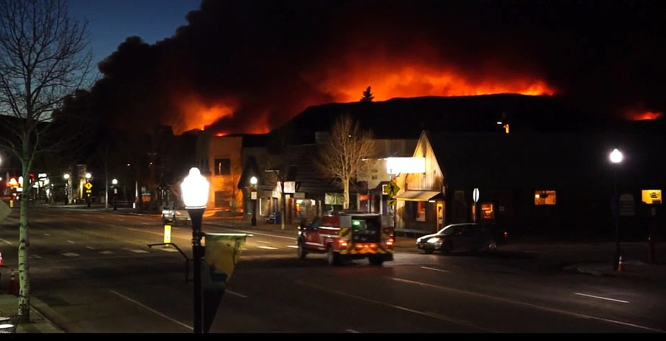 Colorado residents reveal how they escaped record-breaking wildfire