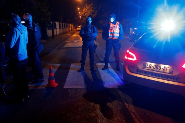 France teacher, who showed Prophet Mohammad caricatures in class, beheaded: Police