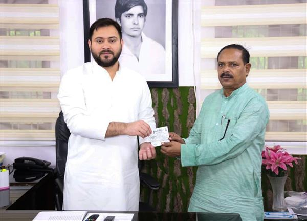 Grand Alliance announces seat-sharing formula with Tejashwi as its leader