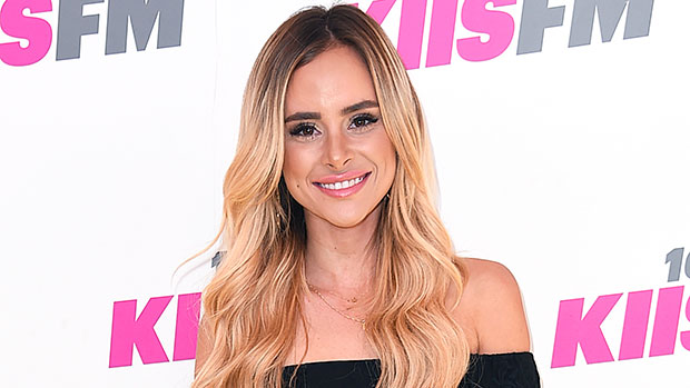 How To Get & Maintain Amanda Stanton's 'Buttery Blonde Bayalage' For A Rich Fall Hairstyle