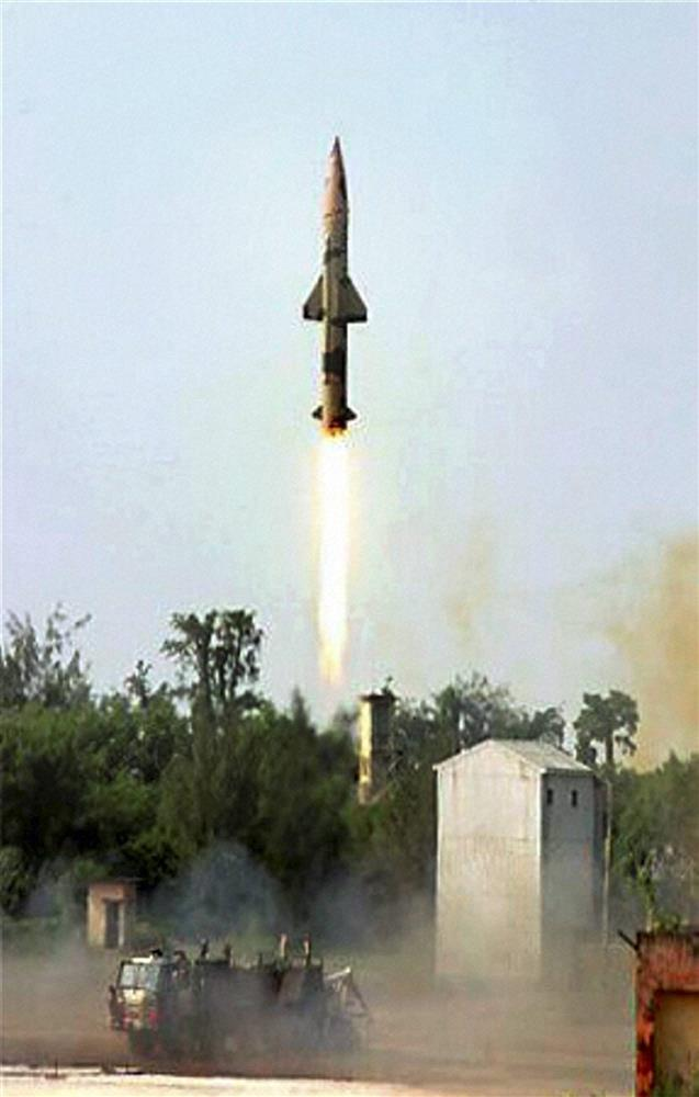 India successfully conducts night trial of nuclear-capable Prithvi-2 missile