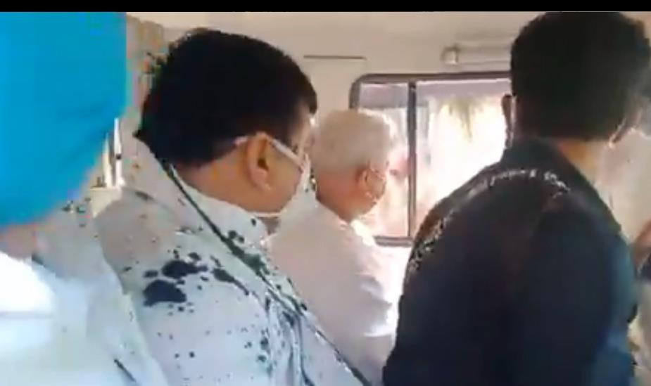 Ink thrown at AAP MP Sanjay Singh in Hathras