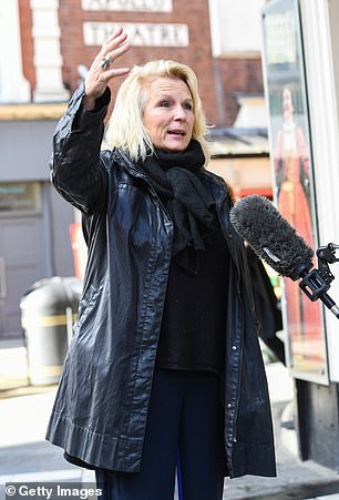 Jennifer Saunders joins West End workers to call for more Government help for theatre industry