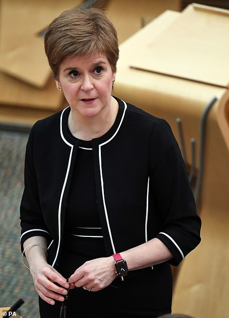 Nicola Sturgeon 'is set to BAN alcohol in Scotland's pubs and force 6pm closing'