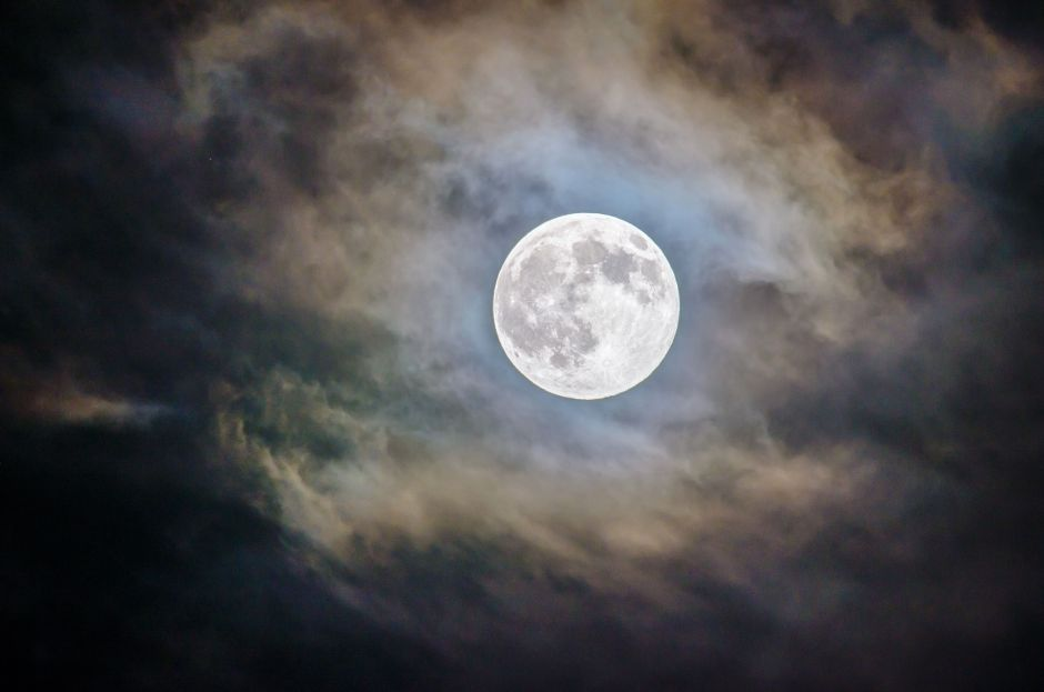 October Full Moon: Why it affects your relationships and how to harness its energy | The NY Journal