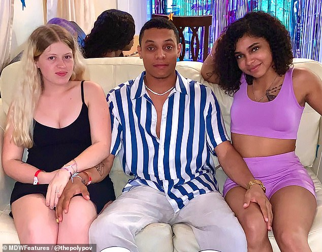 Pregnant woman in throuple wants partner to get their girlfriend pregnant too
