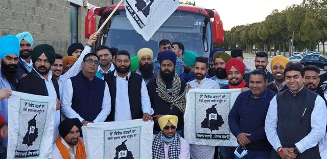 Punjabi NRIs in Canada, Italy, USA, UK, France protest farm laws