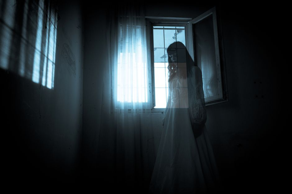 Records video on TikTok when surprised by a ghost | The NY Journal