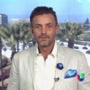 Reporter beaten by Eduardo Yáñez returns to Univision and joins 'Sal y Pimienta' | The NY Journal