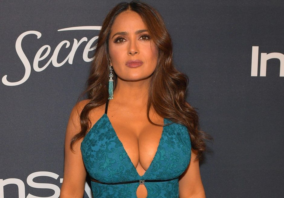 """Salma Hayek celebrates the anniversary of the film """"Desperado"""" with a photo showing her spectacular figure 