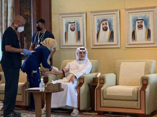 Shaikh Nahyan bin Mubarak receives Chinese COVID-19 vaccine