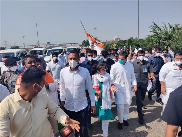 Stopped by police at Greater Noida, Rahul, Priyanka walk to Hathras to meet gang-rape victim's family